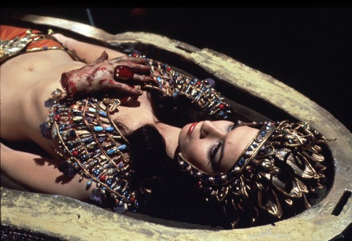"Seth Holt et Michael Carreras, ""Blood from the Mummy's Tomb"", 1971 (adaptation of The Jewel of Seven Stars)"